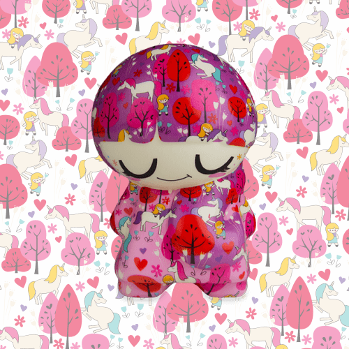 Soft'n Slo Squishies™ Designerz Cool Girl is a premium, patterned squishy.